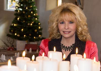 Vorschaubild zur Meldung: Weihnachtskonzert mit Maja Catrin Fritsche