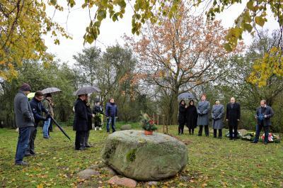 Die Gedenkstätte wurde einst am Ortsrand von der Industriellen-Familie Borsig gemeinsam mit den Behnitzern zum Gedenken an die Opfer des Ersten Weltkrieges errichtet