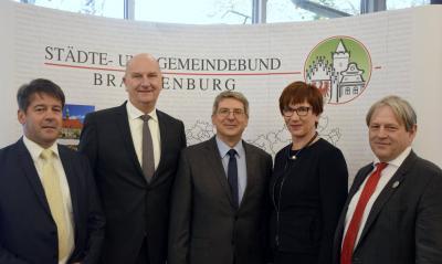 Bild der Meldung: Dr. Oliver Hermann als Präsident des Städte- und Gemeindebundes Brandenburg wiedergewählt