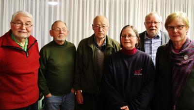 Dr. Herbert Zeretzke (von links), Norbert von der Stein, Werner Edert, Christiane Schlüter, Dietrich Schwarz und Helga Groth lenken die Geschicke im Heimatbund Bornhöved und Umgebung.
