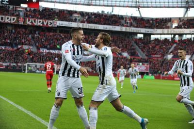 Vorschaubild zur Meldung: Mit Glück und Geschickt punktet der SC Freiburg  beim 1:1 auch in Leverkusen