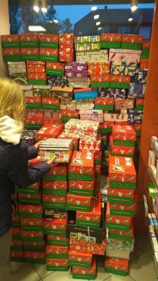 Foto zur Meldung: Mitteilung des Jugendclubs Diedersdorf - Weihnachten im Schuhkarton 2019 - Rekord für unsere kleine Sammelstelle - 70 Päckchen!