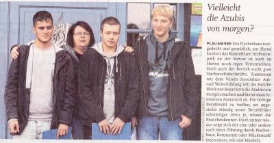 Frau Haberecht mit ihren Schülern Mehmet, Lukas und Leon