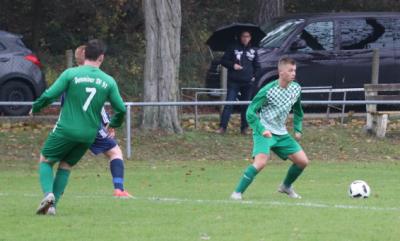 Im Hinspiel gegen Kummerow erzielte Alex Jeske ( grün-weiss ) beim 6:1 Erfolg des DSV drei Treffer