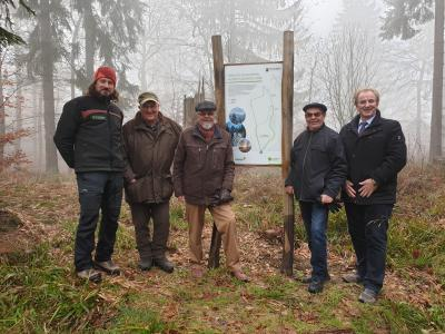 vlnr: Forstamtsleiter Bernhard Frauenberger, Rolf Bergheim, Dr. Jürgen Ehrhardt, Eckhard Meding, Beauftragter Arno Imig