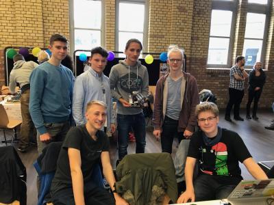 """Foto zur Meldung: Team """"Loriot"""" belegt Platz 5 beim First LEGO-League-Wettbewerb"""
