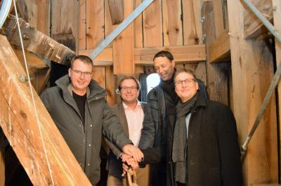 Im Kirchturm angekommen: Johannes Funke, Manuel Meger, Johannes Neugebauer und Ralph Bluhm (v. l.).