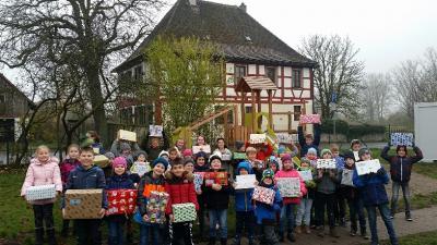 Aktion Weihnachtspäckchen für Kinder in Not