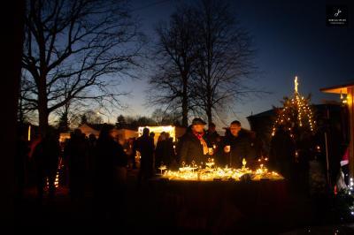 Foto zur Meldung: 6. Adventsmarkt in unserer Gemeinde