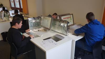 Vorschaubild zur Meldung: Klasse 8/9 erkundet das BIZ in Ansbach