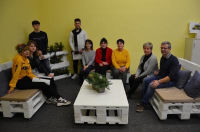 Foto zur Meldung: Frühes Weihnachtsgeschenk junger Zugewanderter für das OSZ Lauchhammer