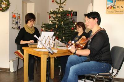 Vorschaubild zur Meldung: Weihnachtsfeier in der Tagespflege- Einrichtung bei Peter Kuhn