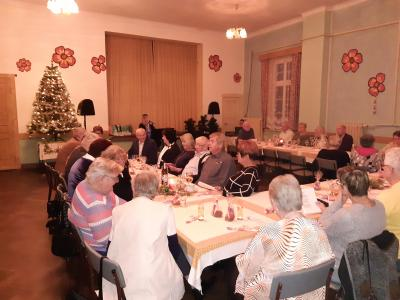 Vorschaubild zur Meldung: Seniorenweihnachtsfeier am Nikolaustag