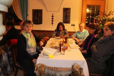 Foto zur Meldung: Gedenkgottesdienst und adventliche Feier beim Frauenbund