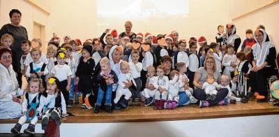 """Die Kinder der Kita """"Laascher Strolche"""" gestalteten mit ihren Erzieherinnen ein schönes Weihnachtskonzert. Kita"""