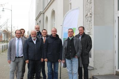 v. l. Manuel Meger (Nauen), Markus Klein (demos e.V.), Ronald Seeger (Rathenow), Jens Aasmann (Rhinow), Jan-Peer Michalek (Friesack), Felix Menzel (Milower Land), Ralf Tebling (Premnitz), Mike Stampehl (Koordinationsstelle) (Foto: Koordinierungsstelle der Partnerschaft für Demokratie)