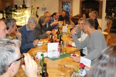 Gesprächsrunde im Café am Kummerower See