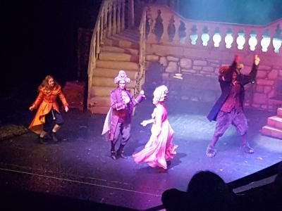 Vorschaubild zur Meldung: Besuch des Weihnachtsmärchens im Stadttheater 2019