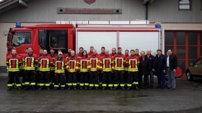 Foto zur Meldung: Zum Jahreswechsel eine neue Ausrüstung für die Feuerwehren Prackenbach und Moosbach