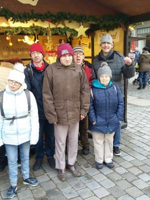Foto zur Meldung: Weihnachtsmarkt und Modelleisenbahn