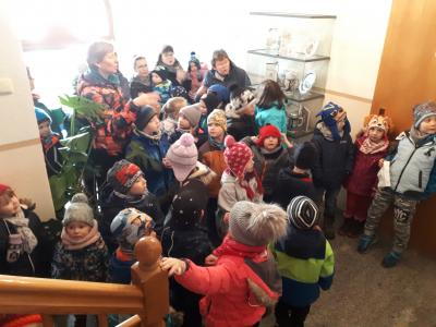 Vorschaubild zur Meldung: Kleine Burggeister präsentieren ihr Weihnachtsprogramm