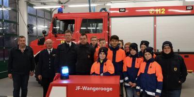 Vorschaubild zur Meldung: Übergabe Musikauto von der Feuerwehr Ibbenbüren an die Jugendfeuerwehr