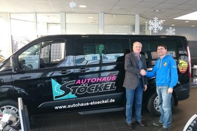 Foto zur Meldung: Unser neuer Vereinsbus ist da! - Autohaus Stöckel weiterhin Sponsor