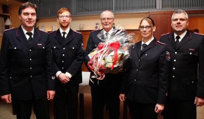 Foto zur Meldung: Ehrungen, Abschied und Aufnahme bei der Freiwilligen Feuerwehr Schmalensee