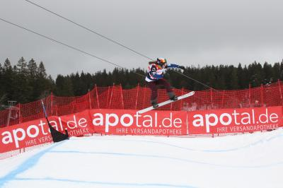 Keine Sprünge, kein Weltcup - der Snowboardcross Weltcup am F20eldberg vom 31. Januar bis 02. Februar 2020 wurde mangels Schnee abgesagt - Foto: Joachim Hahne / johapress