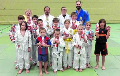 Vorschaubild zur Meldung: Judokas ehren ihre Besten