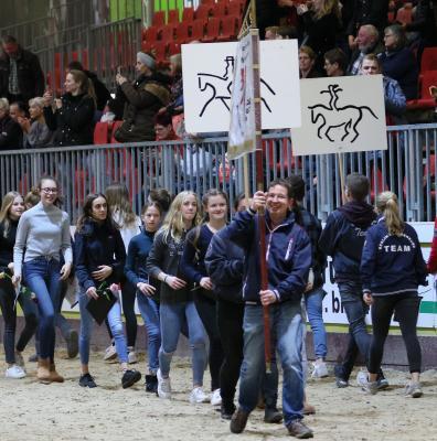 Einmarsch der Reiterinnen und Reiter