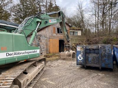 Vorschaubild zur Meldung: Abbrucharbeiten alte Hütte am Förderband / Bahnhofstraße
