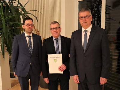 Vorschaubild zur Meldung: Erhard Auth zum neuen Ersten Beigeordneten ernannt Dr. Sebastian Huber in den Gemeindevorstand der Gemeinde Flieden nachgerückt