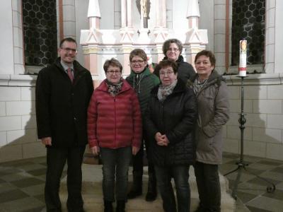 Unser Bild zeigt (v.l.n.r.): Vereinsvorsitzender Carsten Ullrich, Maria Maikranz, Maritta Richter, Anette Klabouch, Marianne Eichholz und Karin Frischkorn