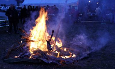 Foto zur Meldung: In diesem Verein brennt ein besonderes Feuer: Biikebrennen des Sparklubs zum 70-jährigen Bestehen am 22. Februar