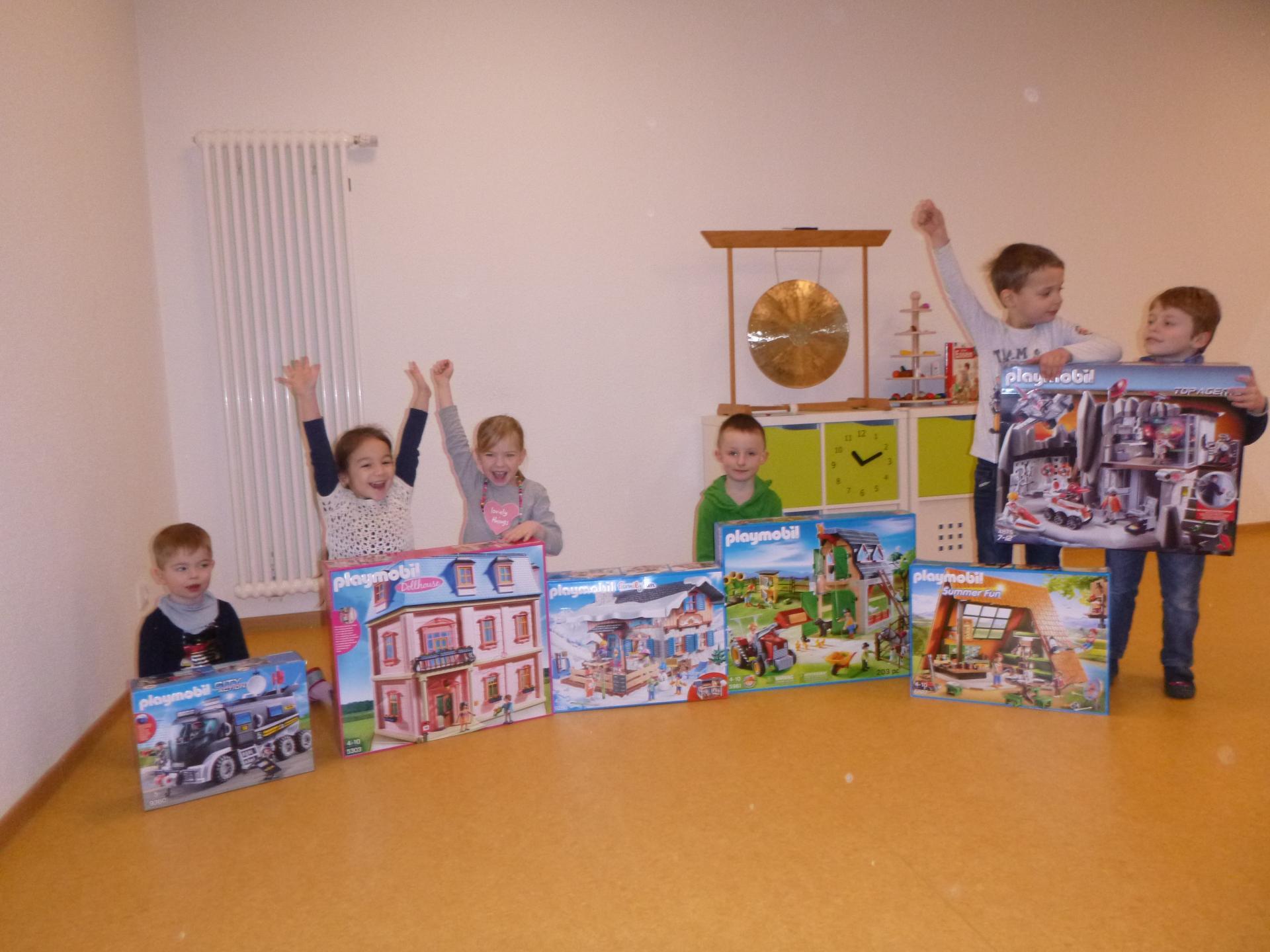 Vorschaubild der Meldung: Großzügige Sachspende von Playmobil