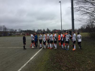 Foto zur Meldung: A-Jugend holt Auswärtspunkt, E-Jugend holt Silber in Großschönau, Männerspiel fällt aus