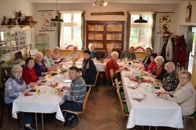 Foto zur Meldung: Gemeinsamer Mittagstisch für Senioren wird immer beliebter
