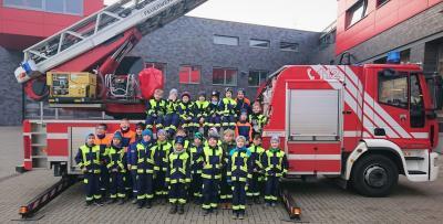 Löschzwerge zu Besuch bei der Feuerwache Nord in Magdeburg