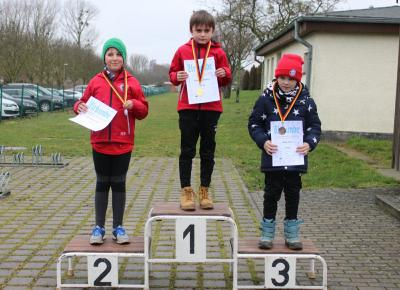 Dreifachsieg beim Crosslauf in der Altersklasse 9