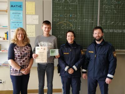 Vorschaubild zur Meldung: Polizei ermittelt die Sieger des Kreisentscheids der Schüler- und Buslotsen