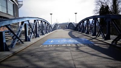 Ein Betretungsverbot hat die Stadt Freiburg mit Wirkung zum 21.03.2020 verhängt. Die Menschen dürfen damit keine öffentlichen Plätze mehr aufsuchen und in Gruppen auftreten - Foto. Joachim Hahne / johapress