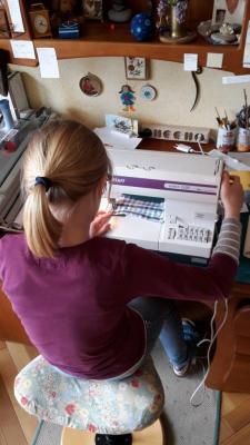 Vorschaubild zur Meldung: Fotoalbum: Schule zuhause - die 70 ist geknackt!