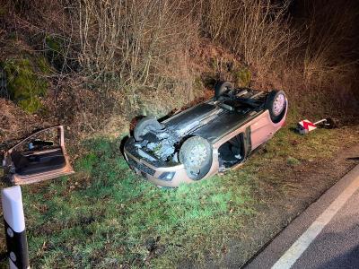 Schwerer Verkehrsunfall auf der B275