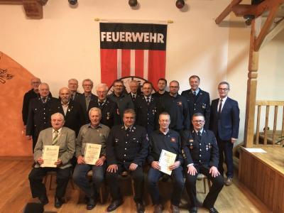 Foto zur Meldung: Maximilian Pinzer jun. zum Ehrenvorstand ernannt