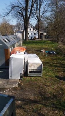 Vorschaubild zur Meldung: Widerrechtliche Abfallentsorgung am Containerstandplatz an der TV Halle