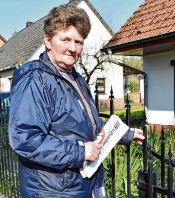Foto zur Meldung: Groß Laasch - Die Zeitungsfrau von Groß Laasch