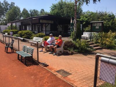 Foto zur Meldung: Tennisplätze wieder geöffnet