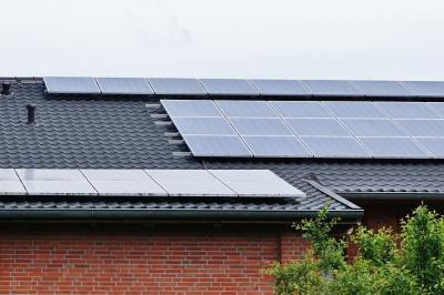 Foto zur Meldung: Energieberatung der Verbraucherzentrale:  Saisonstart für Solarthermie – Fehler vermeiden