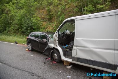 Vorschaubild zur Meldung: Schwerer Verkehrsunfall auf der B275